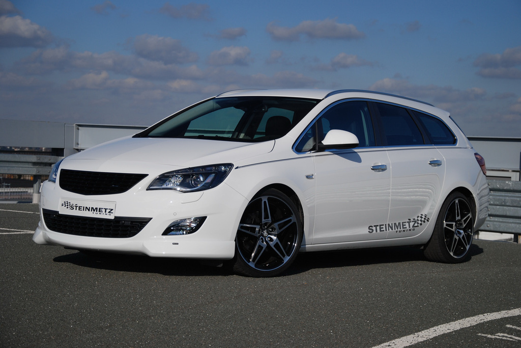 OPEL aSTRA st 1 Opel Astra sports tourer gets the Steinmetz treatment