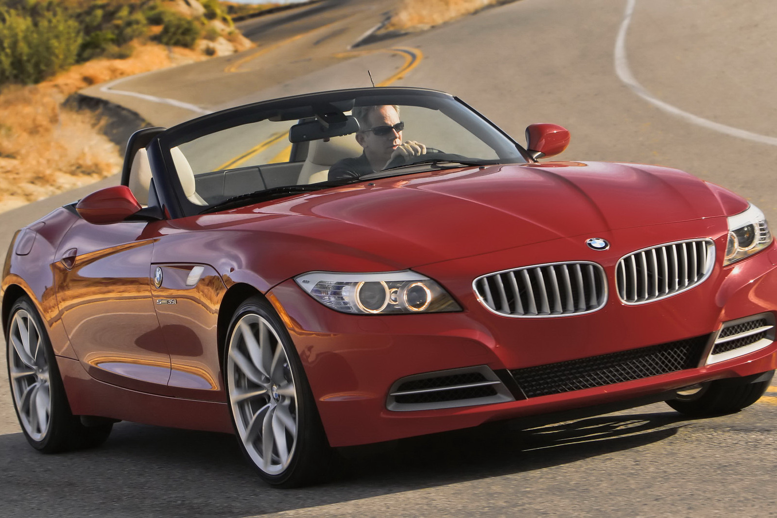 New Z4 Sdrive 28i With 2 0 Liter Four Cylinder Turbo