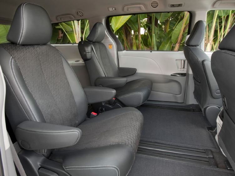2011 Toyota Sienna 4 The 2011 Toyota Sienna offers great look and power