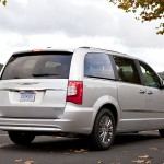 2011-chrysler-town-country (3)