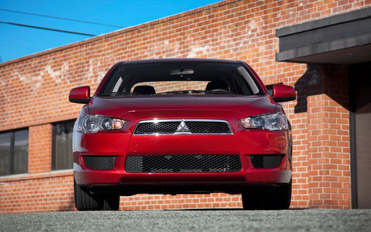 2011 mitsubishi lancer ES 5 2011 Mitsubishi Lancer ES Variant with Excellent Operating Systems
