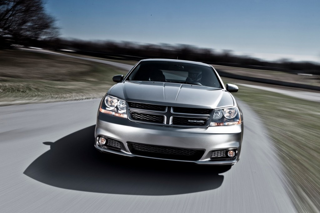 41 1024x682 2012 Dodge Avenger Vehicle with Easy to Care Car Accessories