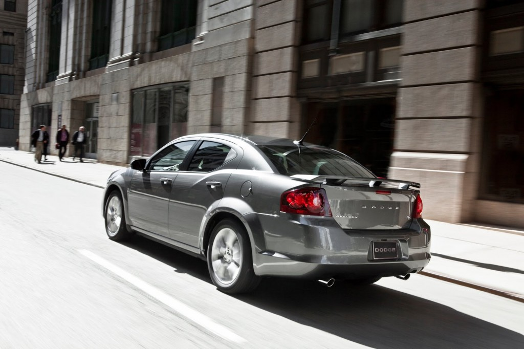 8 1024x682 2012 Dodge Avenger Vehicle with Easy to Care Car Accessories
