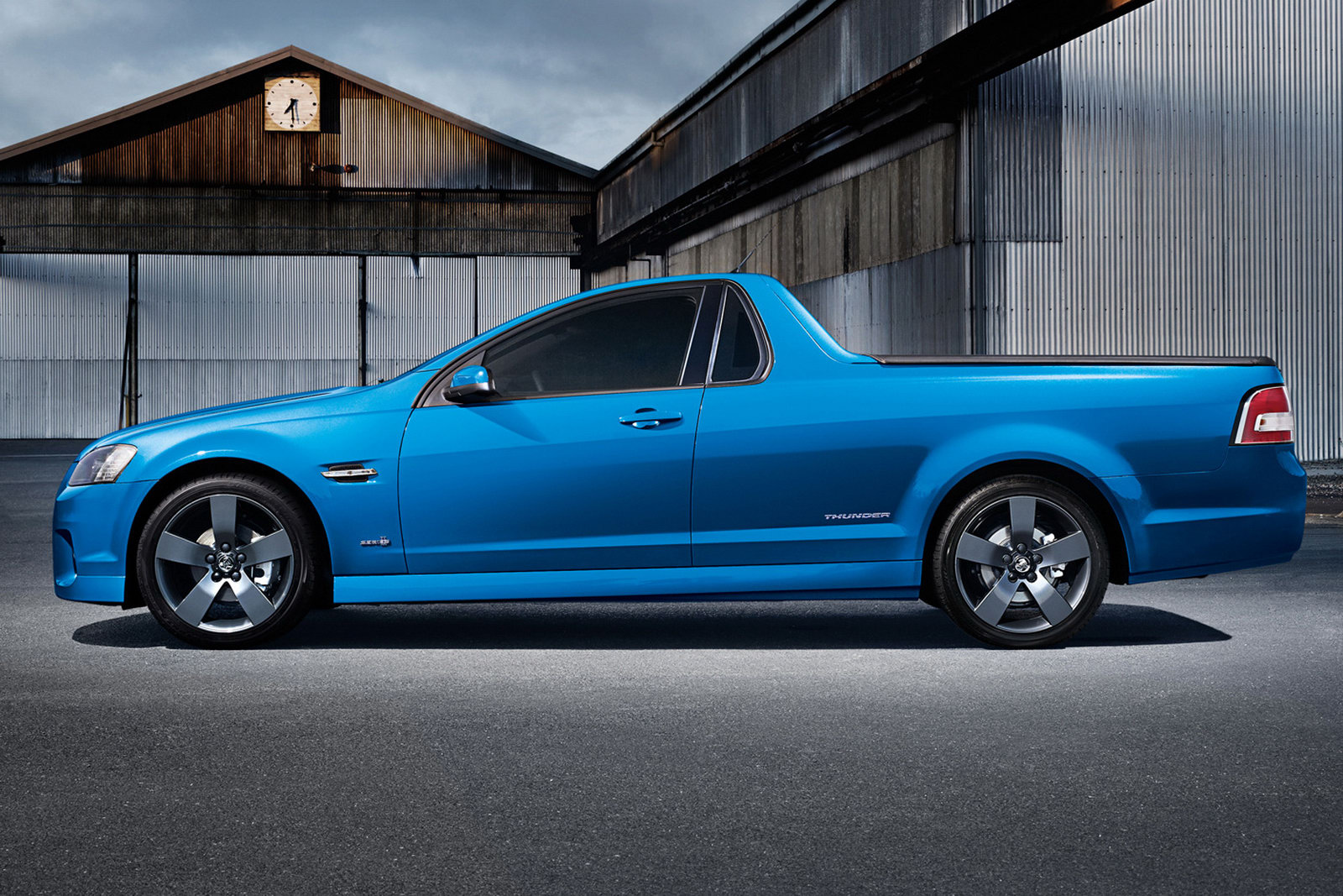 Holden Upgrades Ve Series Ute Line Up Machinespider Com