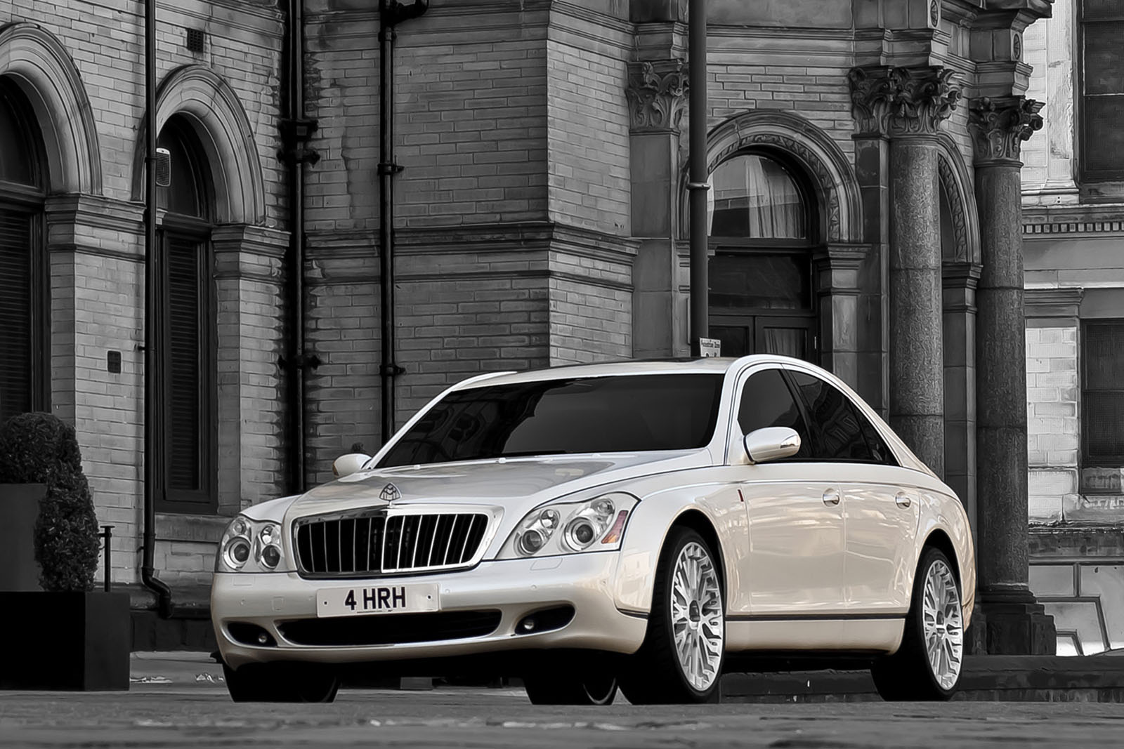 Project Kahn Maybach 57 Project Kahn Maybach 57 Edition with Eco Friendly Drive Train
