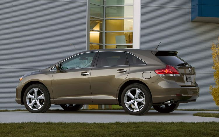 The 2011 Toyota Venza AWD a new venture 16 The 2011 Toyota Venza AWD a new venture