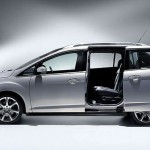 Ford-Grand-C-Max-front-three-quarter (2)