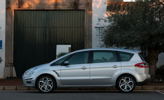Ford s max Diesel 8 Comfort Meets Practicality With All New Ford S MAX