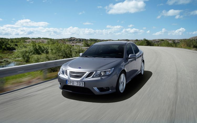 Saab 9 3 front three quarters 2013 Saab 9 3 Variant  More Energy Efficient and Fuel Economic