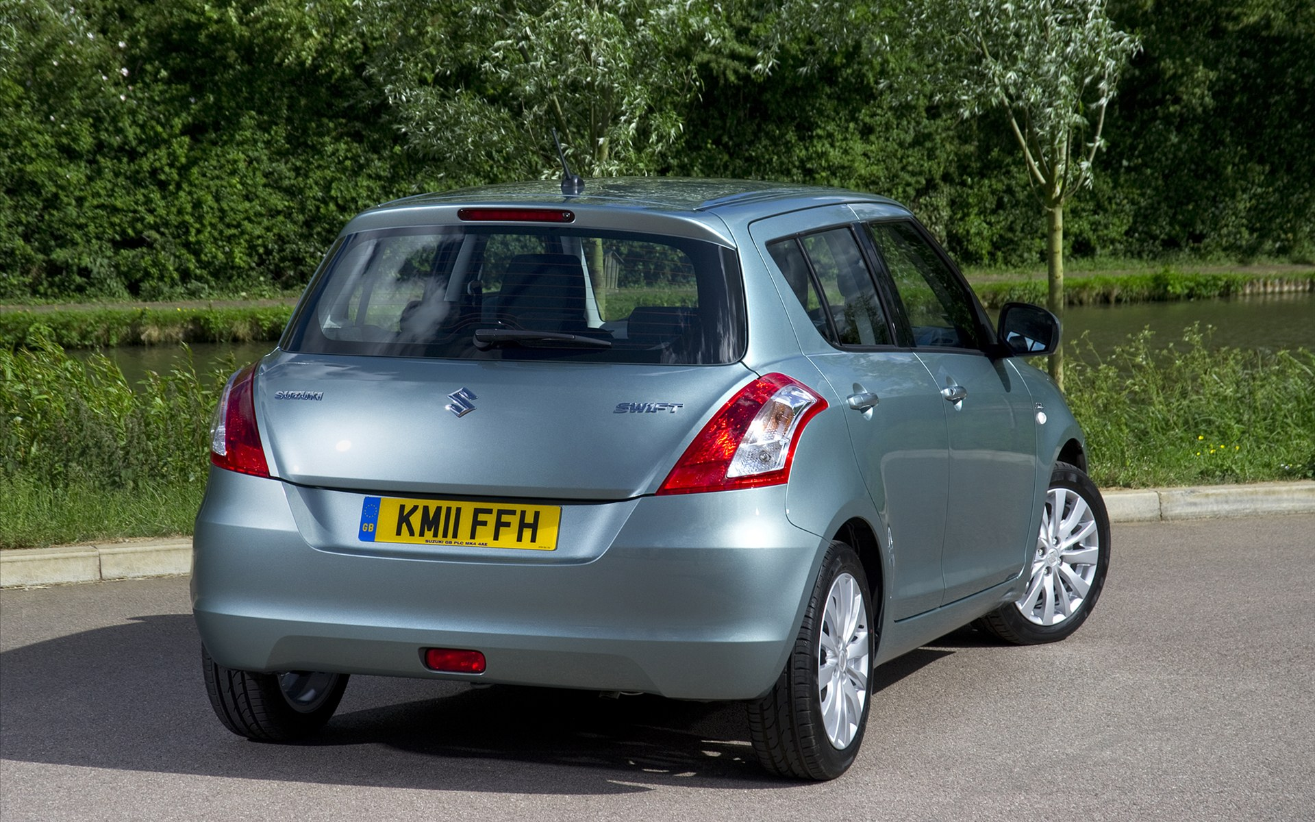 Suzuki Swift DDiS 2011 1 European Suzuki Swift Diesel Vehicle  Energy Efficient and Fuel Economic