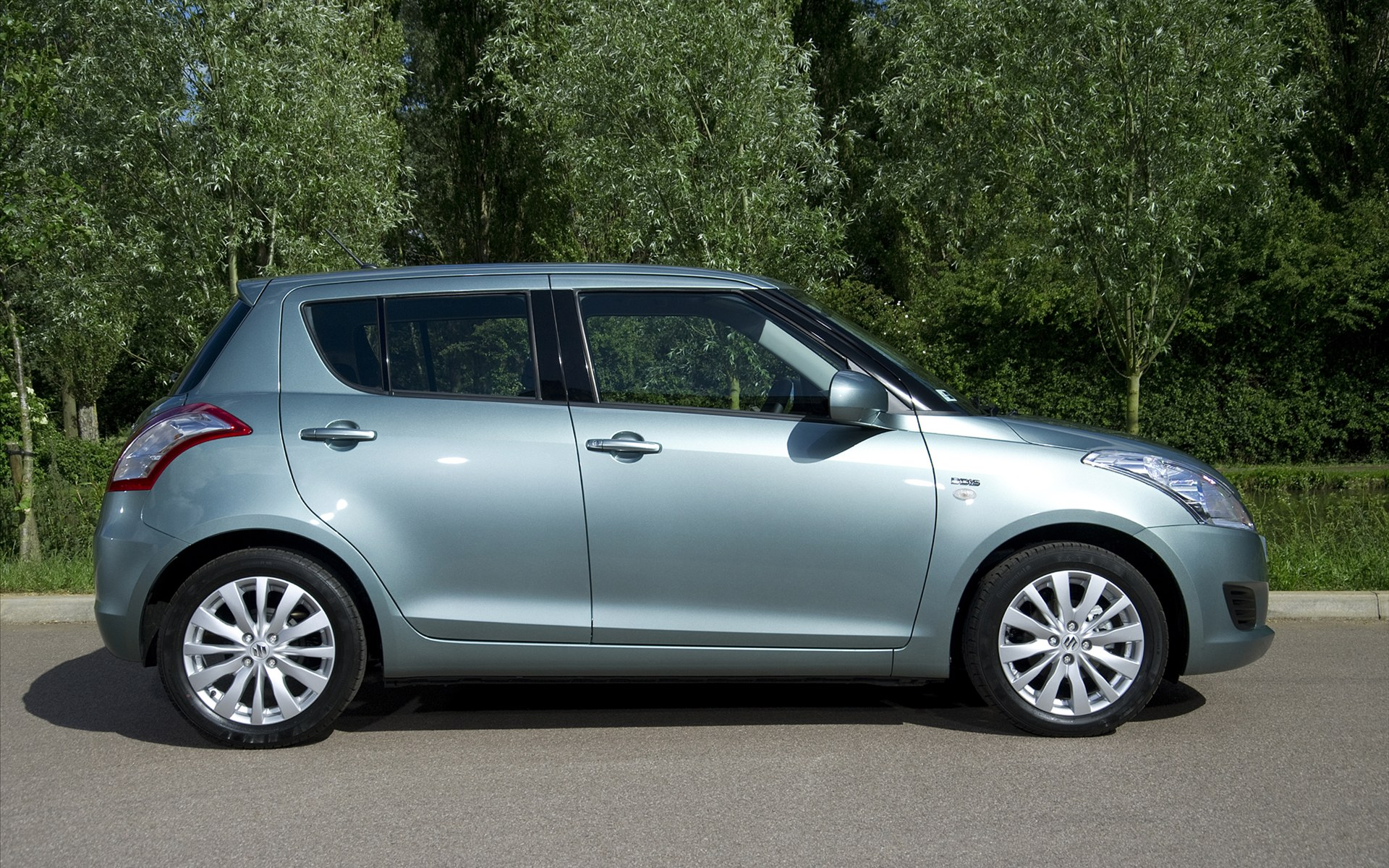 Suzuki Swift DDiS 2011 3 European Suzuki Swift Diesel Vehicle  Energy Efficient and Fuel Economic
