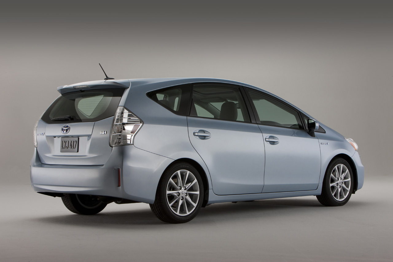 Toyota prius v 6 It is Official: 2012 Toyota Prius V Premiership Delayed due to Tsunami