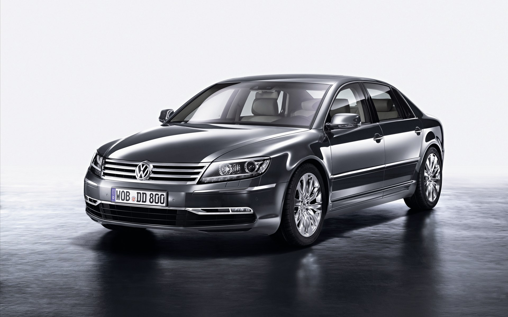Volkswagen Phaeton widescreen 7 Phaeton Vehicle with Easy to Care Drive Train Kit