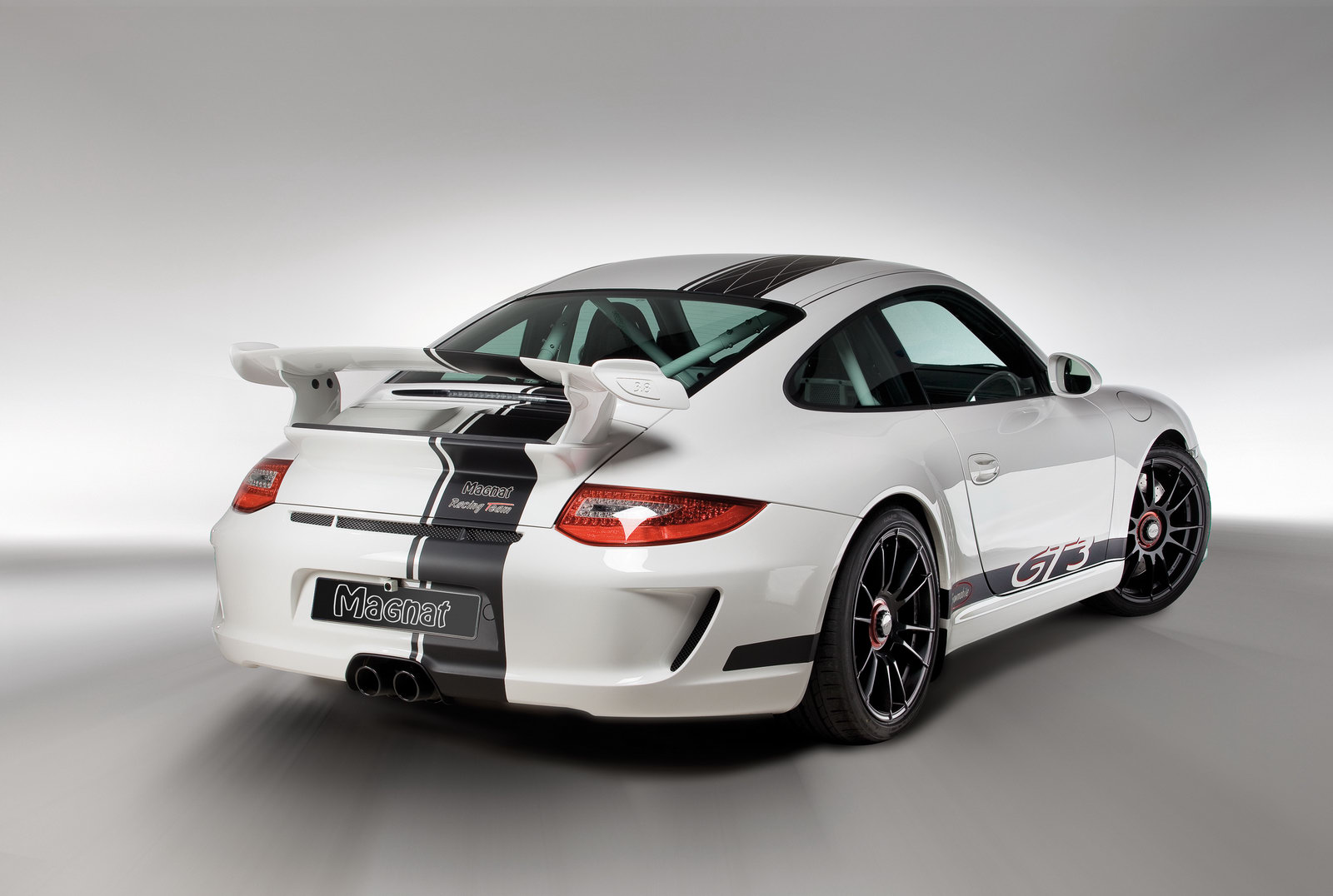 Magnat Porsche Auspuff 5 Porsche 911 GT3  Fuel Economic and Energy Efficient