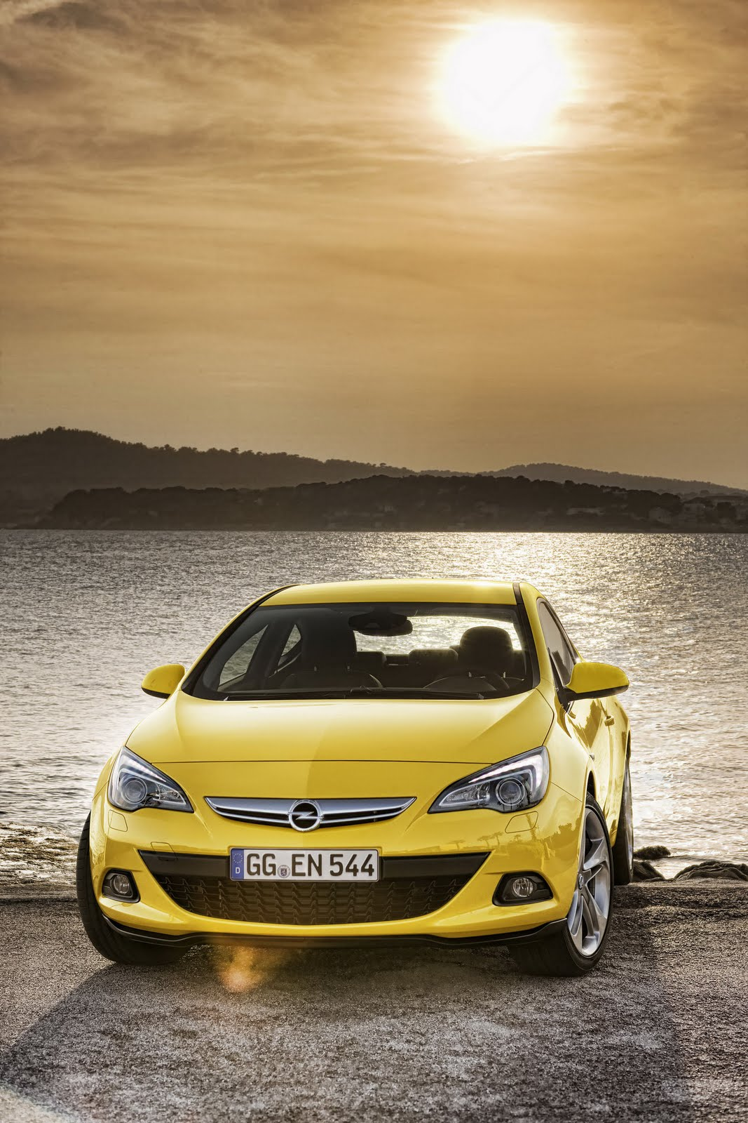Opel Astra GTC 1 2012 Astra GTC A Car Review