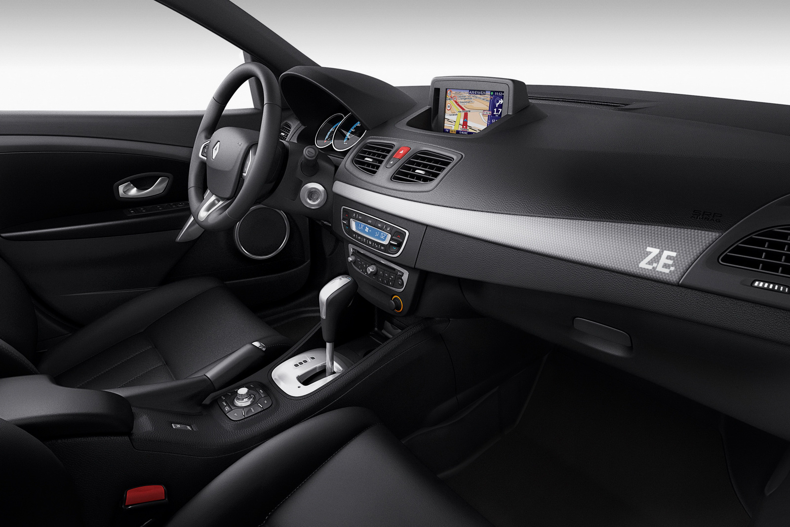 Renault Fluence ZE 1 Fluence Z.E. Saloon Car to be Launched by Renault with Revised Price Range