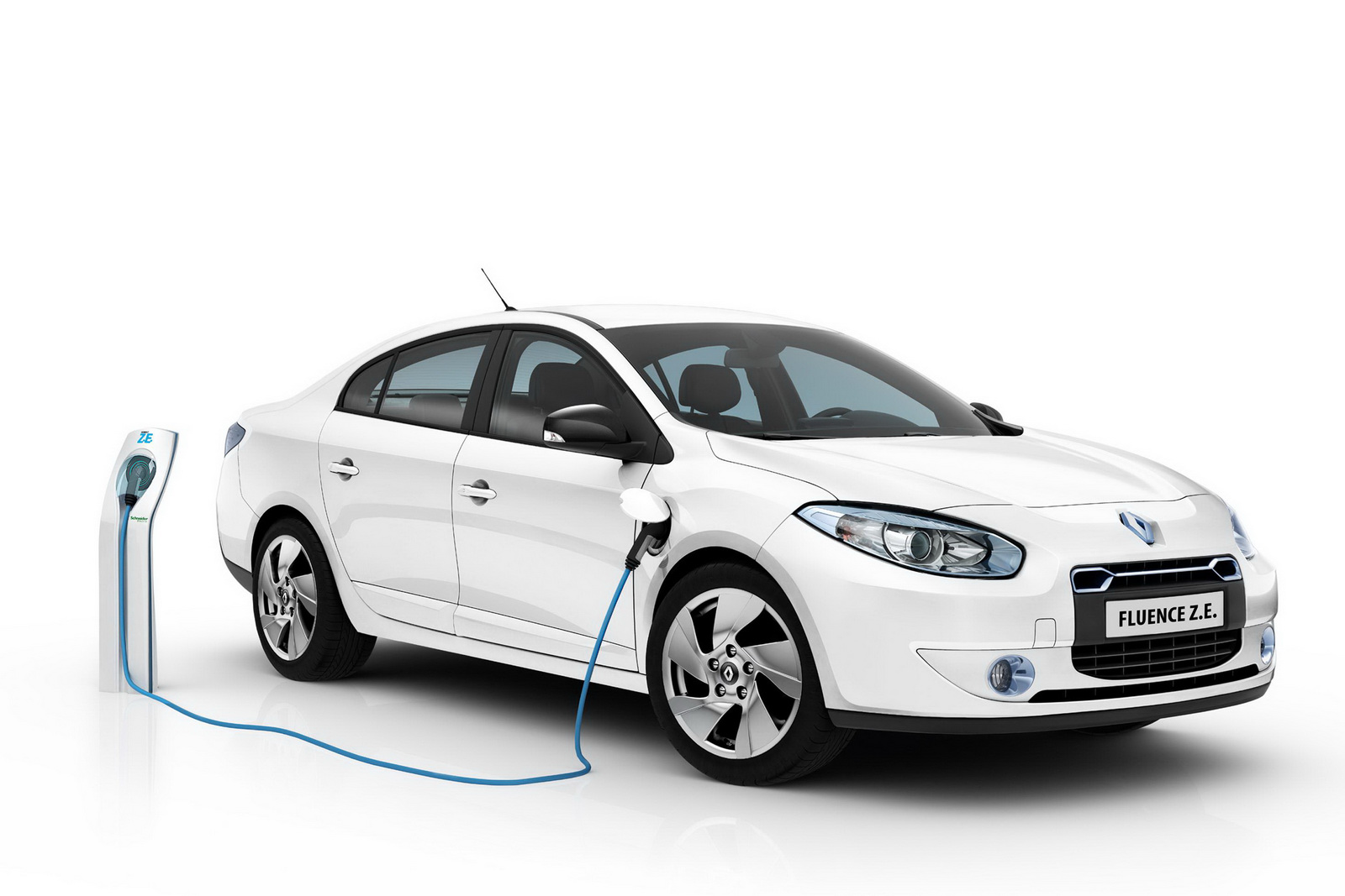 Renault Fluence ZE 4 Fluence Z.E. Saloon Car to be Launched by Renault with Revised Price Range