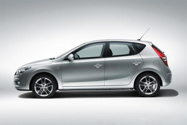 hyundai i20 2012 The 2012 Hyundai i20 Variant with Car Upgradation Accessories