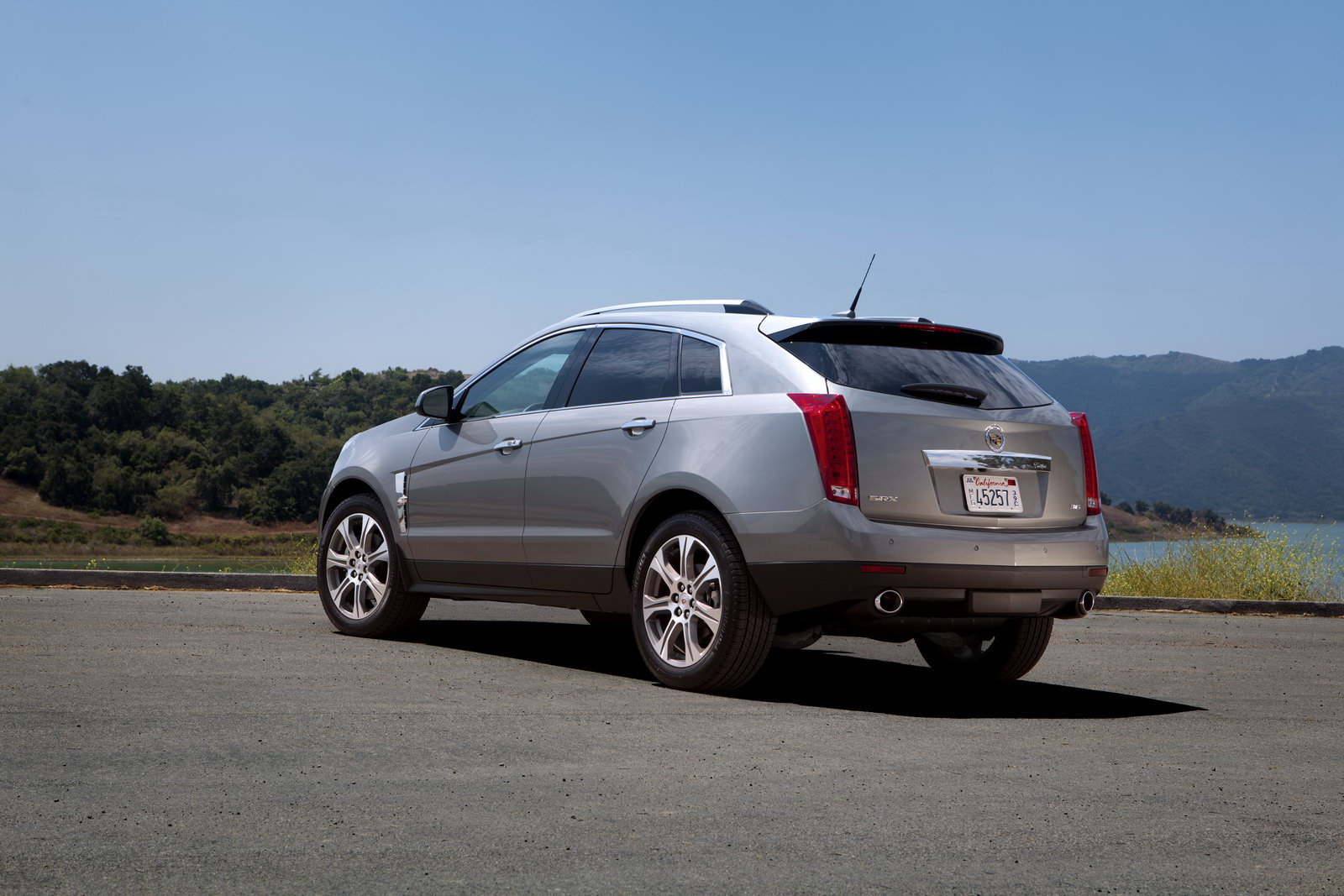 2012 Cadillac Srx Crossover With New Look Machinespider Com