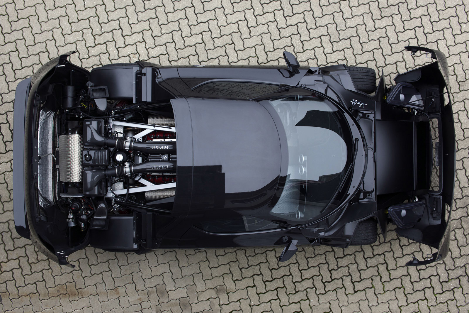 New lancia Stratos 14 Ferrari accused of obstructing in Lancia Stratos new invention