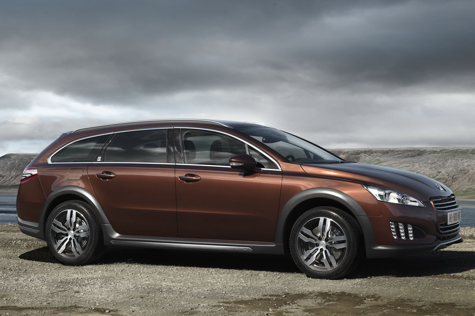 Peuegeot 508 RXH1 The new Peugeot 508 RXH outdoes Audi's A4 Allroad Quattro