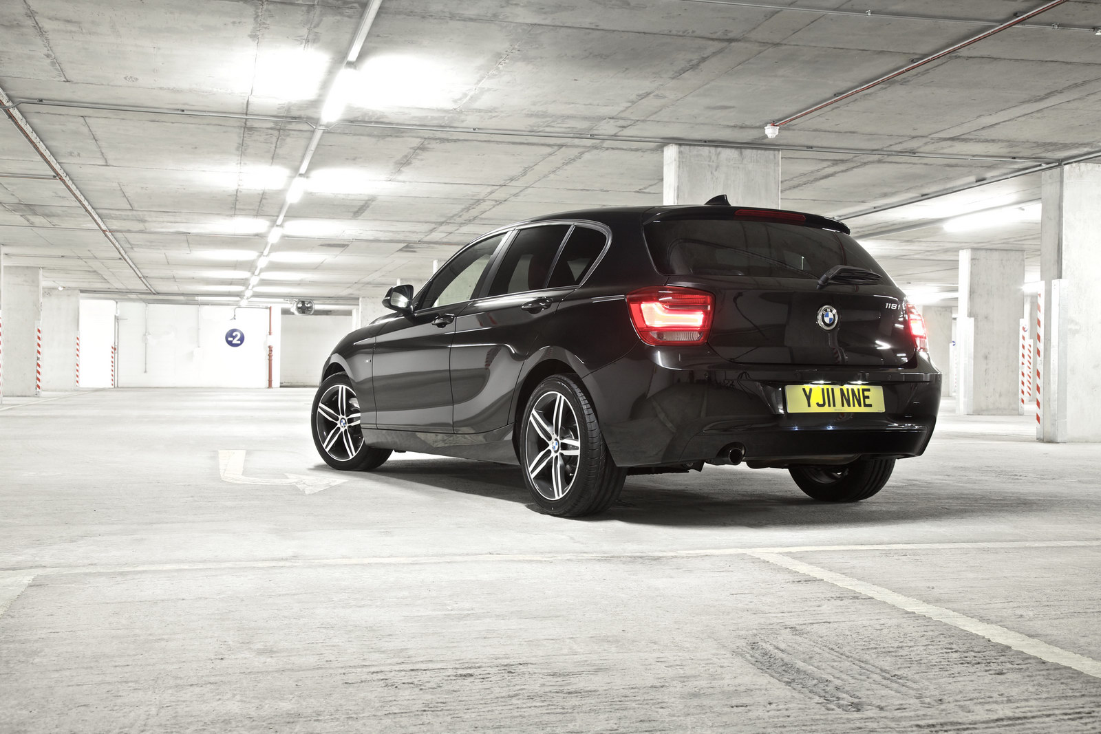 2011 BMW 1 Series 3 BMW reveals pricing of the 2011 latest 1 Series Hatch in UK