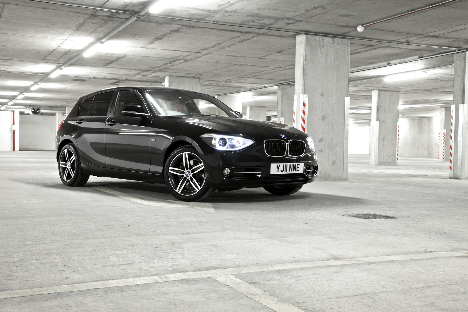2011 BMW 1 Series 4 BMW reveals pricing of the 2011 latest 1 Series Hatch in UK