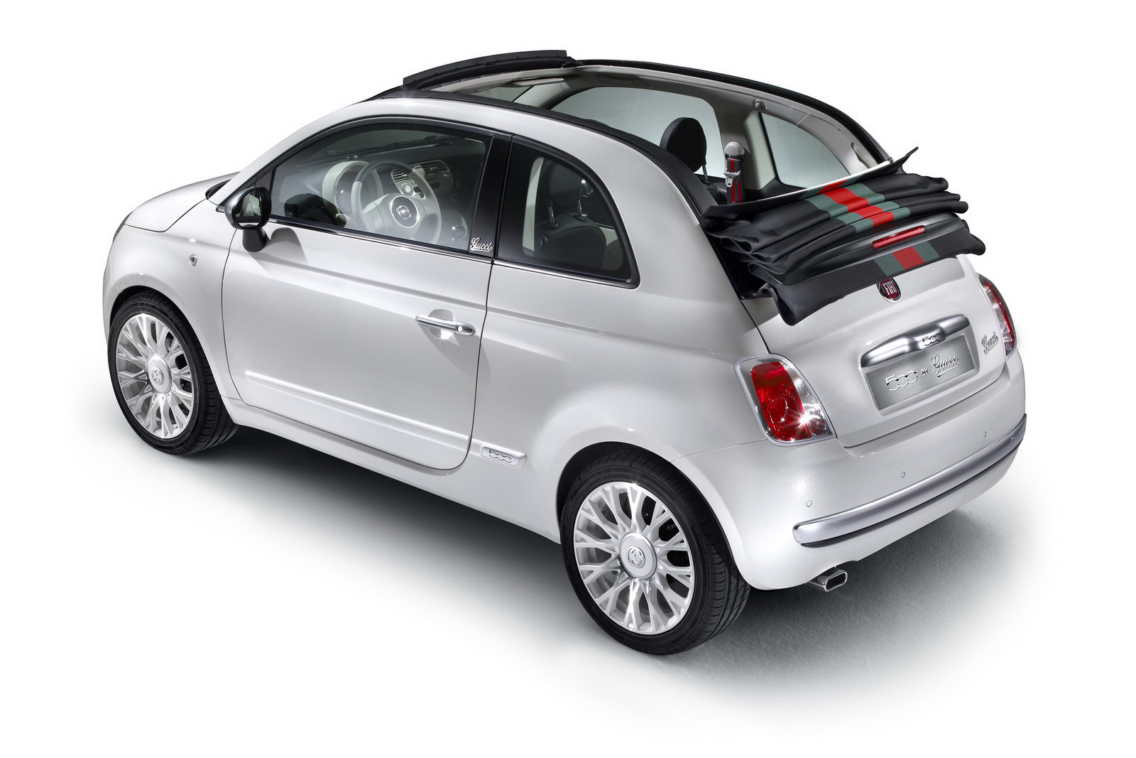 2012 Fiat 500 by Gucci 3 FIAT ANNOUNCES NEW 2012 TOPLESS EDITION FROM GUCCI