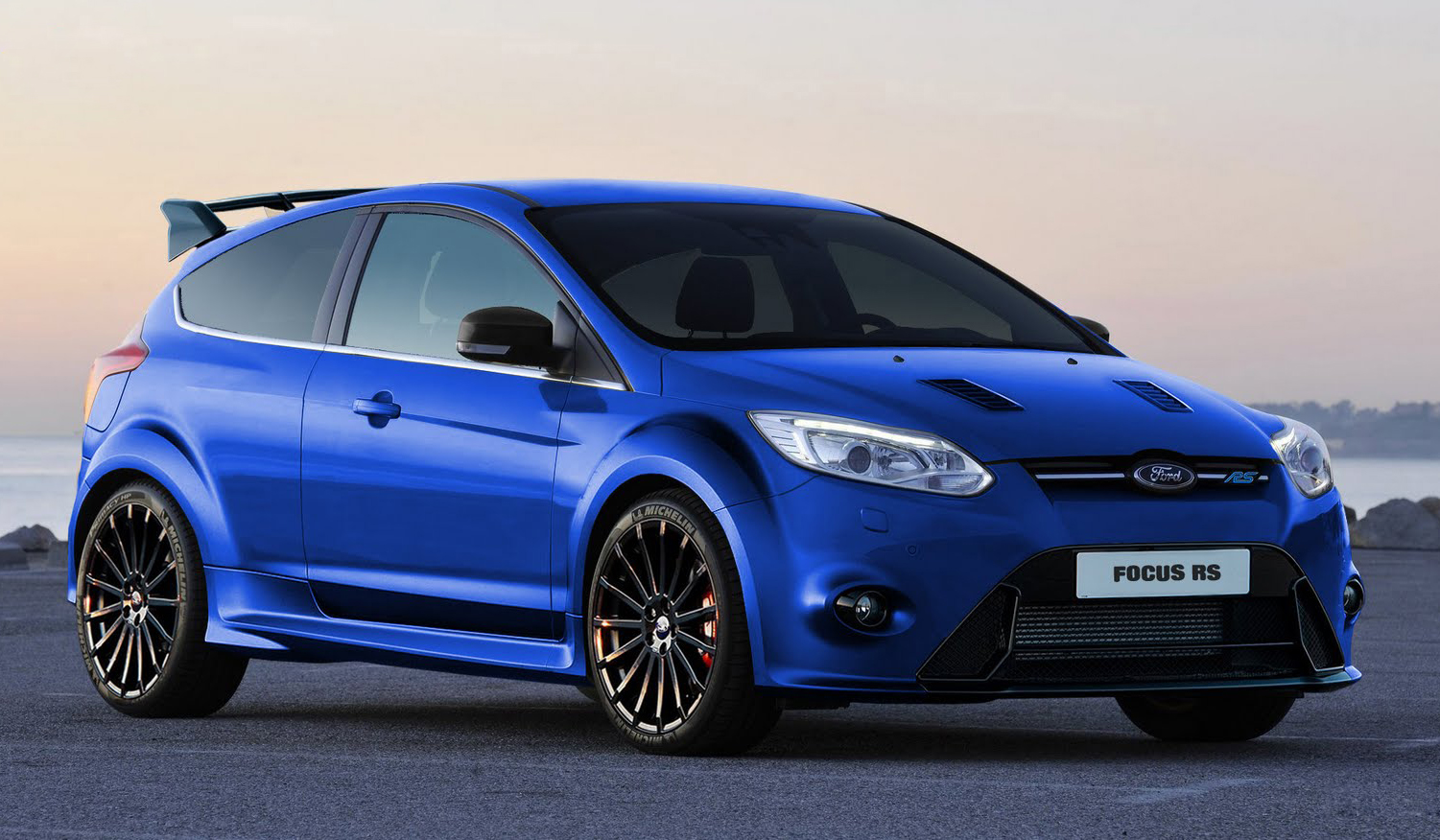 2014 ford focus rs more dynamic in design with eco friendly features. Black Bedroom Furniture Sets. Home Design Ideas