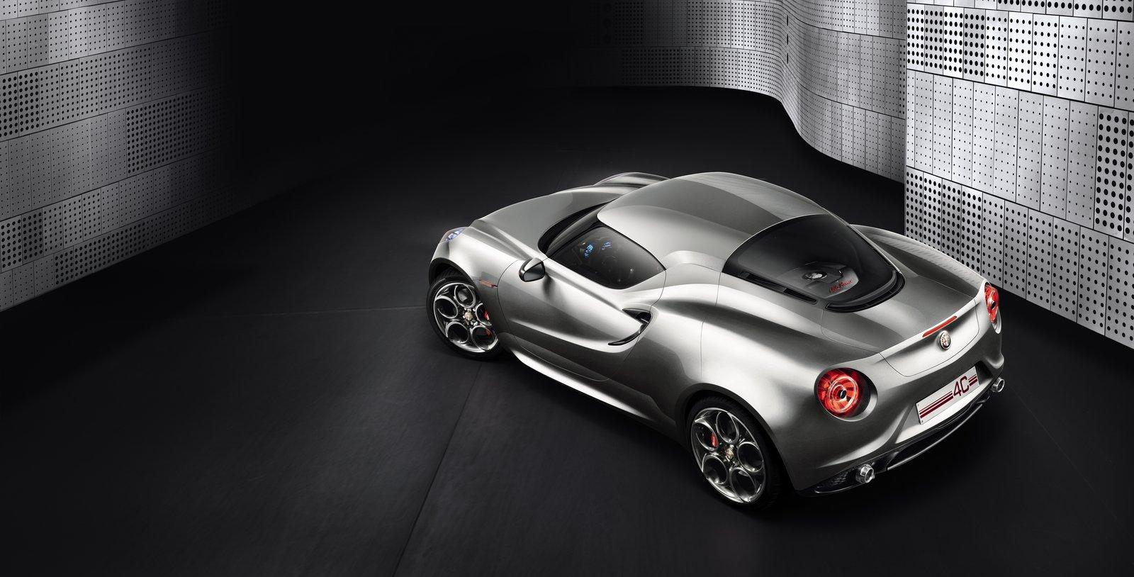 2011 Alfa Romeo 4C Concept 2011 ALFA ROMEO SPORTS THE METALLIC LOOK