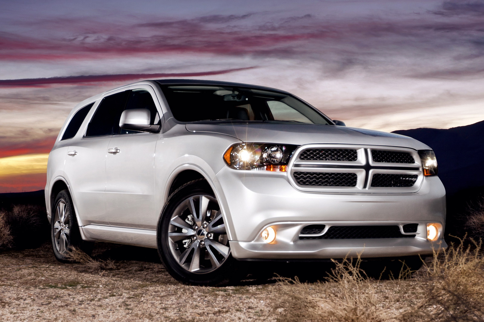 2011 Dodge Mulling Super Durango SRT8 New 2011 Dodge Mulling Super Durango SRT8 revised with 465HP Hemi V8