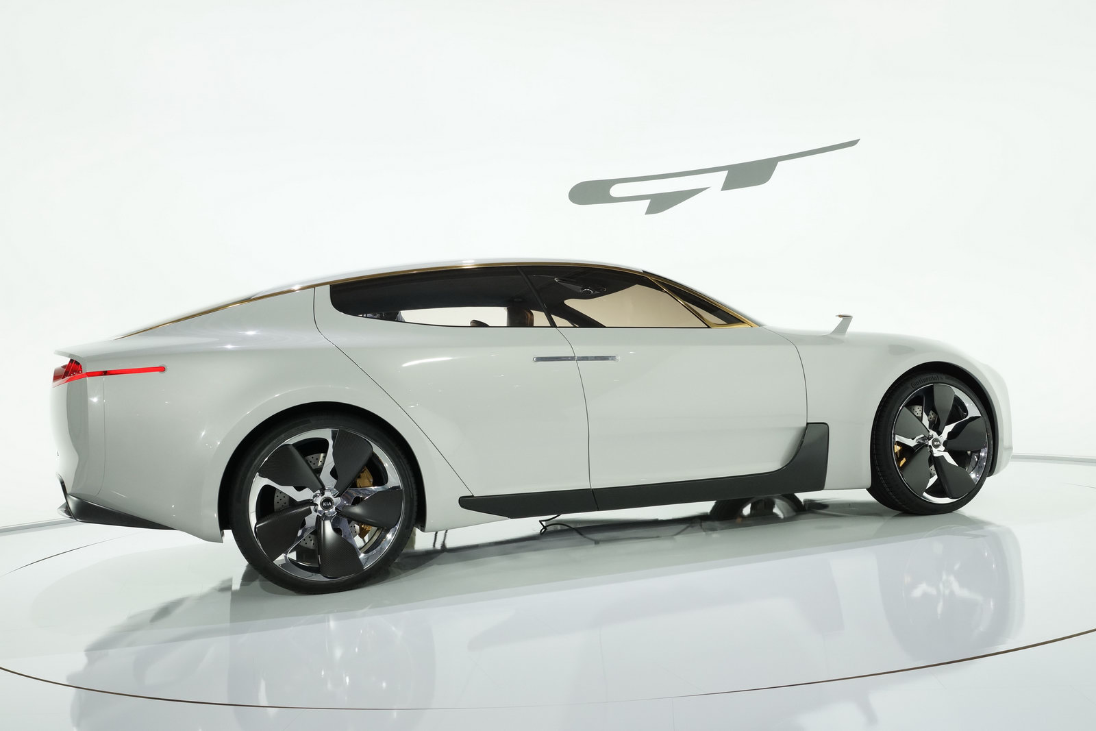2011 KIA RWD GT Concept 4 2011 Concept of Kia Becomes Production?