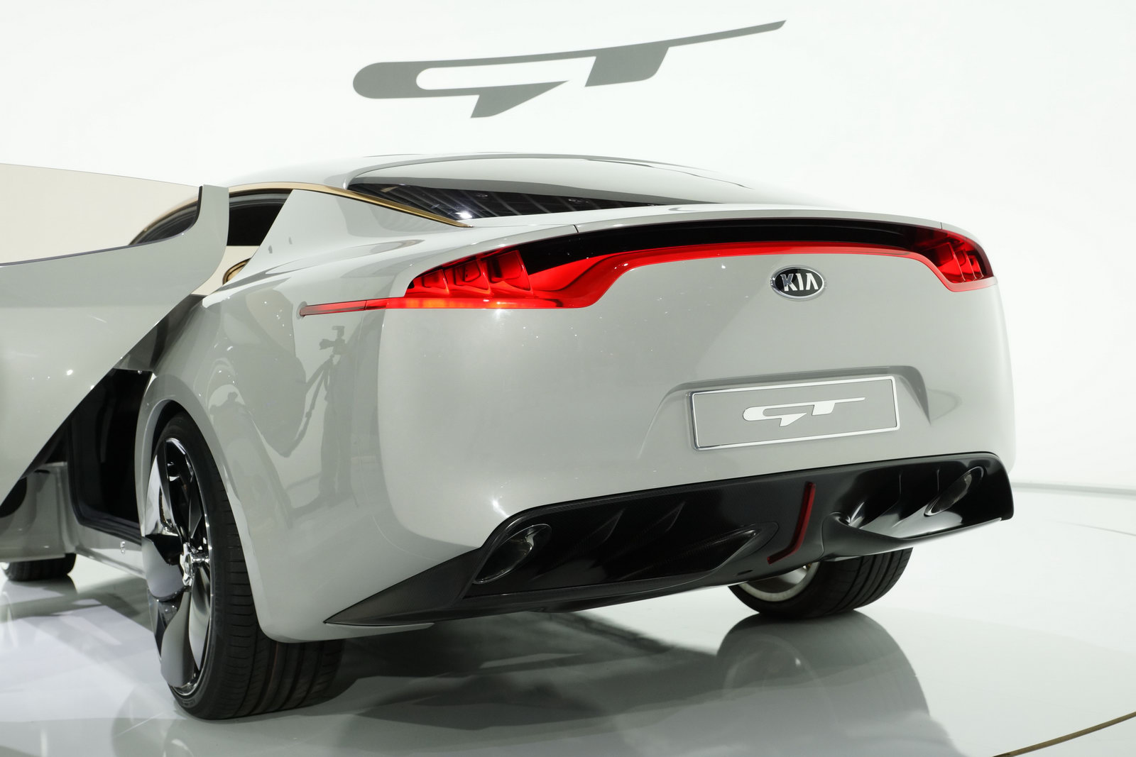 2011 KIA RWD GT Concept 5 2011 Concept of Kia Becomes Production?