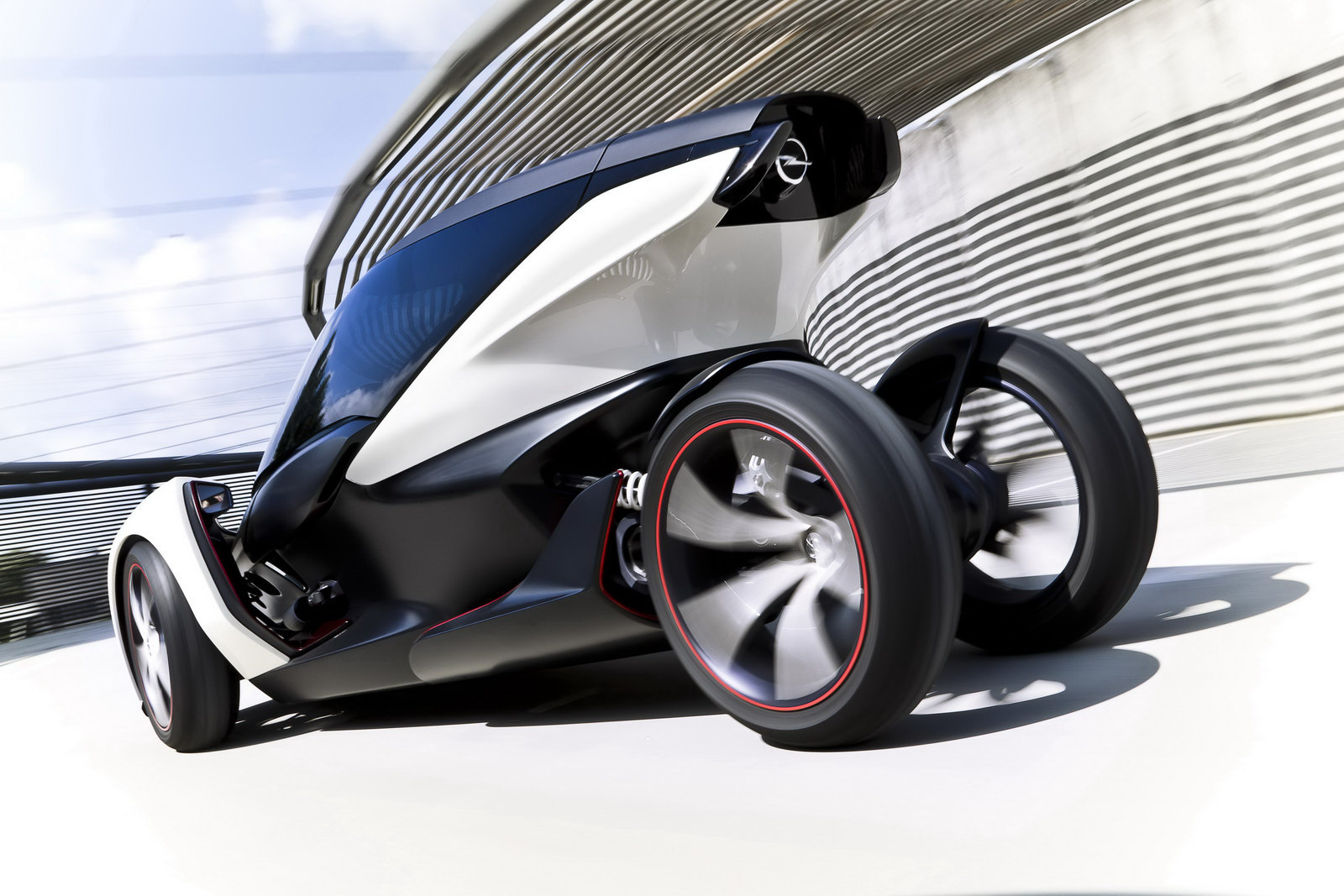 2011 radical new opel concept 1 Opel to Launch 2011 Battery Powered Eco friendly Vehicles Soon