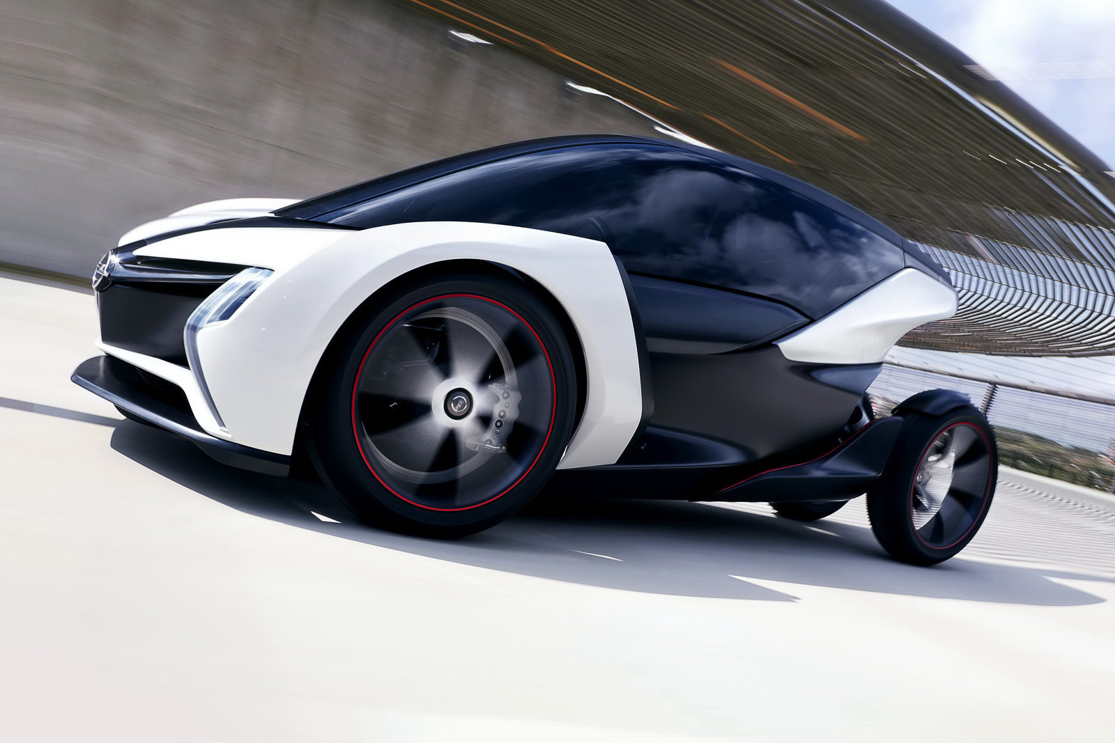 2011 radical new opel concept Opel to Launch 2011 Battery Powered Eco friendly Vehicles Soon