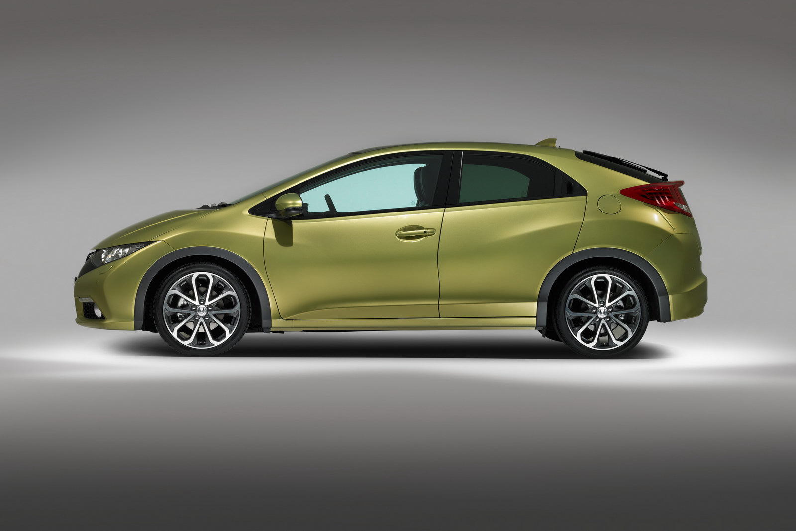 2012 honda civic hatchback debuted before frankfurt motor show. Black Bedroom Furniture Sets. Home Design Ideas