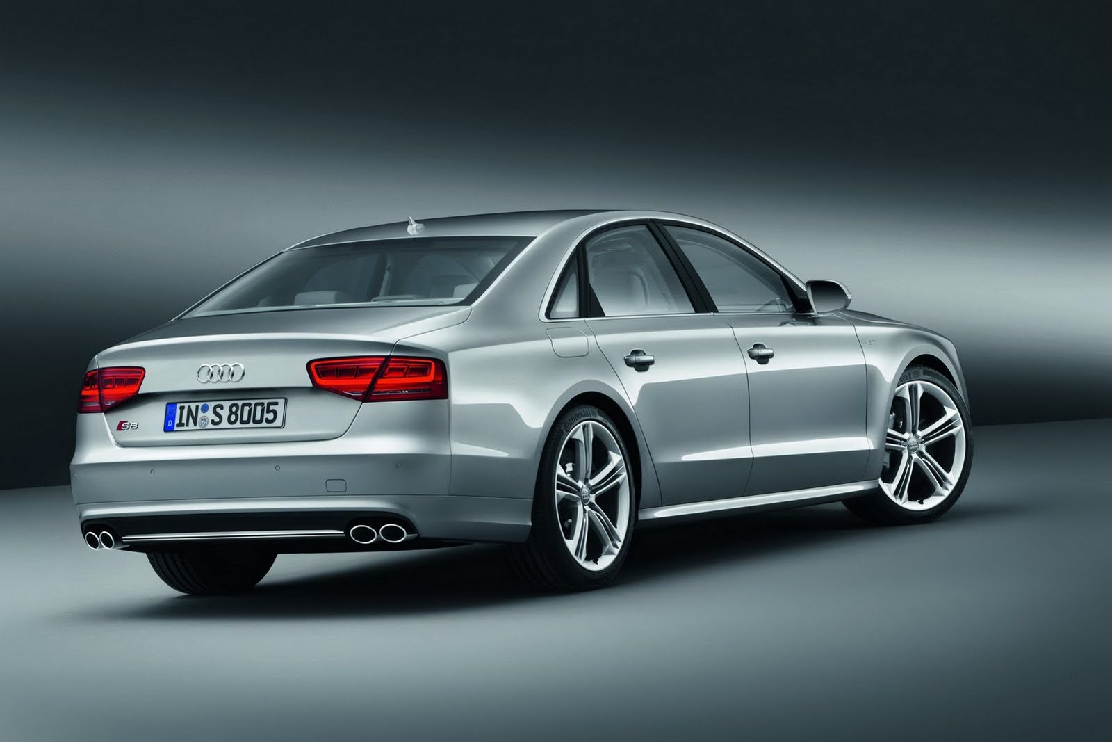 2013 audi s8 2 AUDI UNVEILS NEW 2013 S8 WITH 4.0 LITER TWIN TURBO V8 AND 520 HORSES