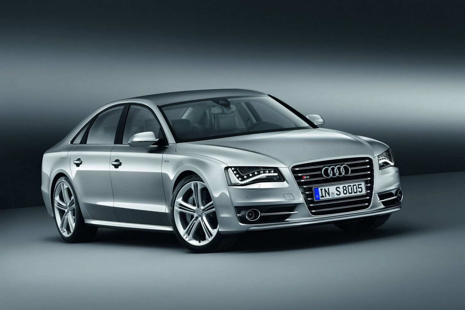 2013 audi s8 AUDI UNVEILS NEW 2013 S8 WITH 4.0 LITER TWIN TURBO V8 AND 520 HORSES