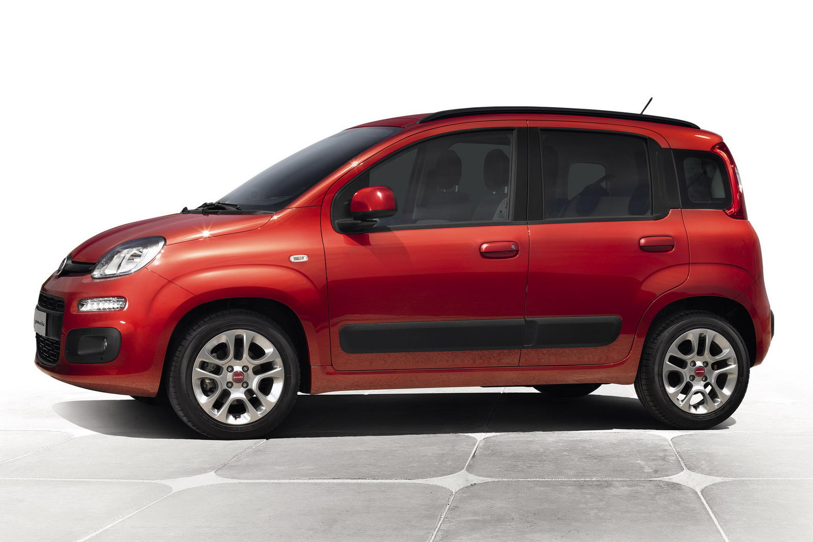 Fiats 2012 nuova panda 2 2012 Nuova Panda   A Short Car Review