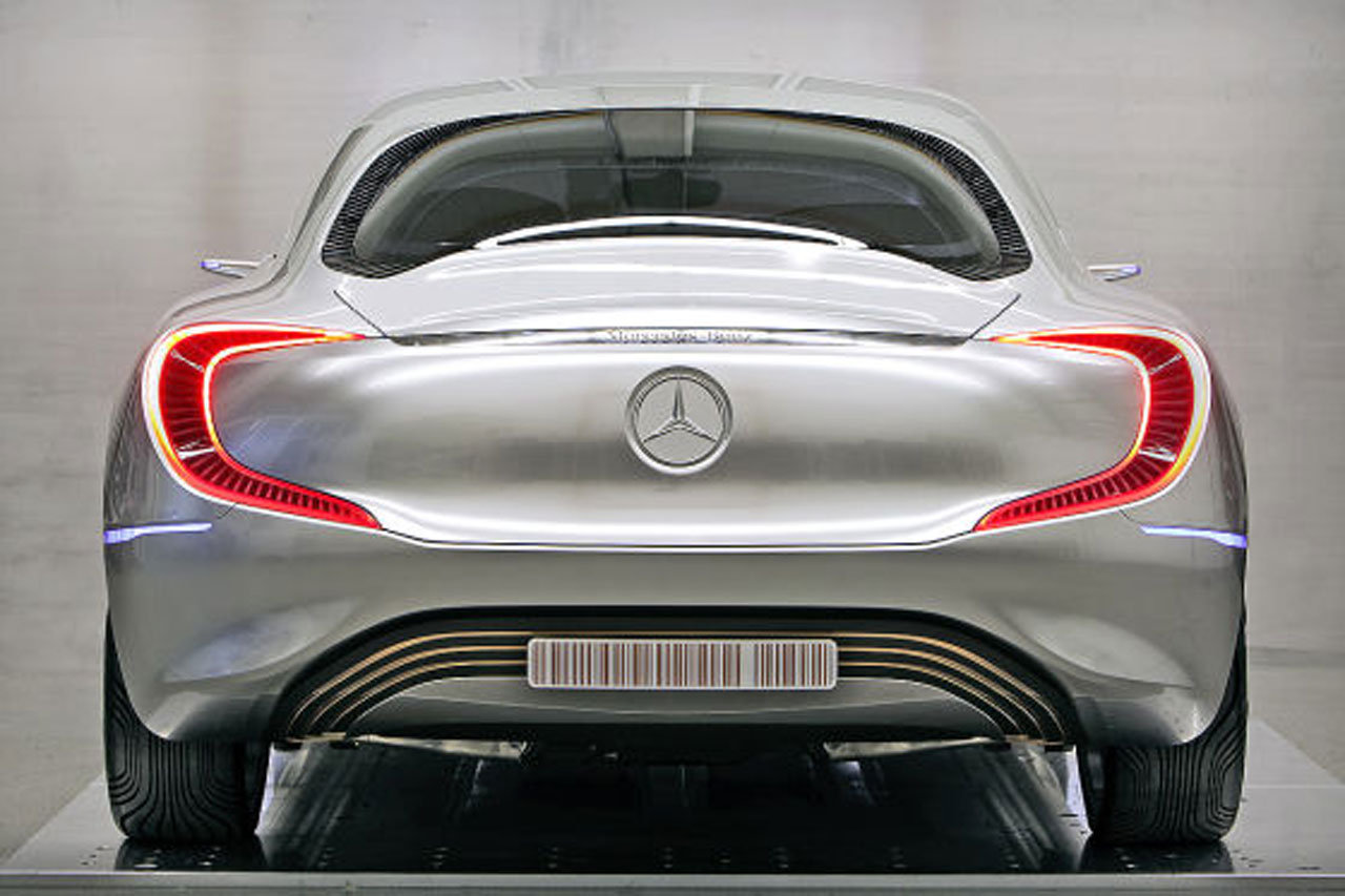 Mercedes Benz F125 1 Frankfurt Surprises Leaked? 2011 Mercedes Benz F125 gullwing fuel cell concept
