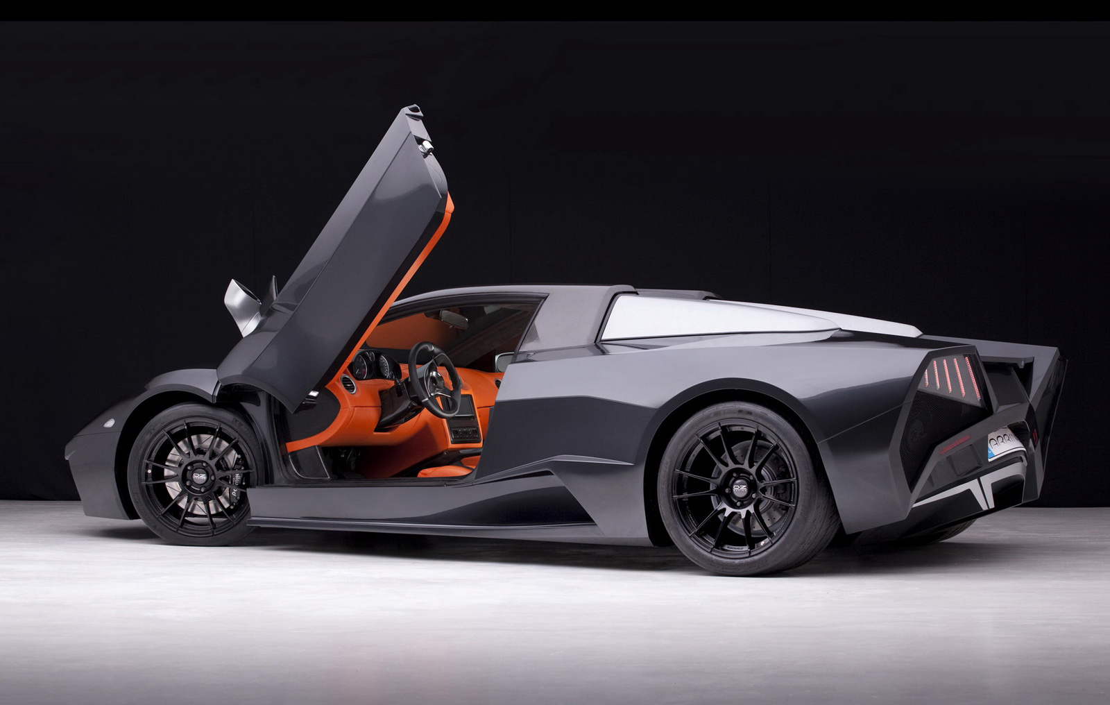 Polands Arrinera Supercar 1 Arrinera   Super Car with Aerodynamic Features