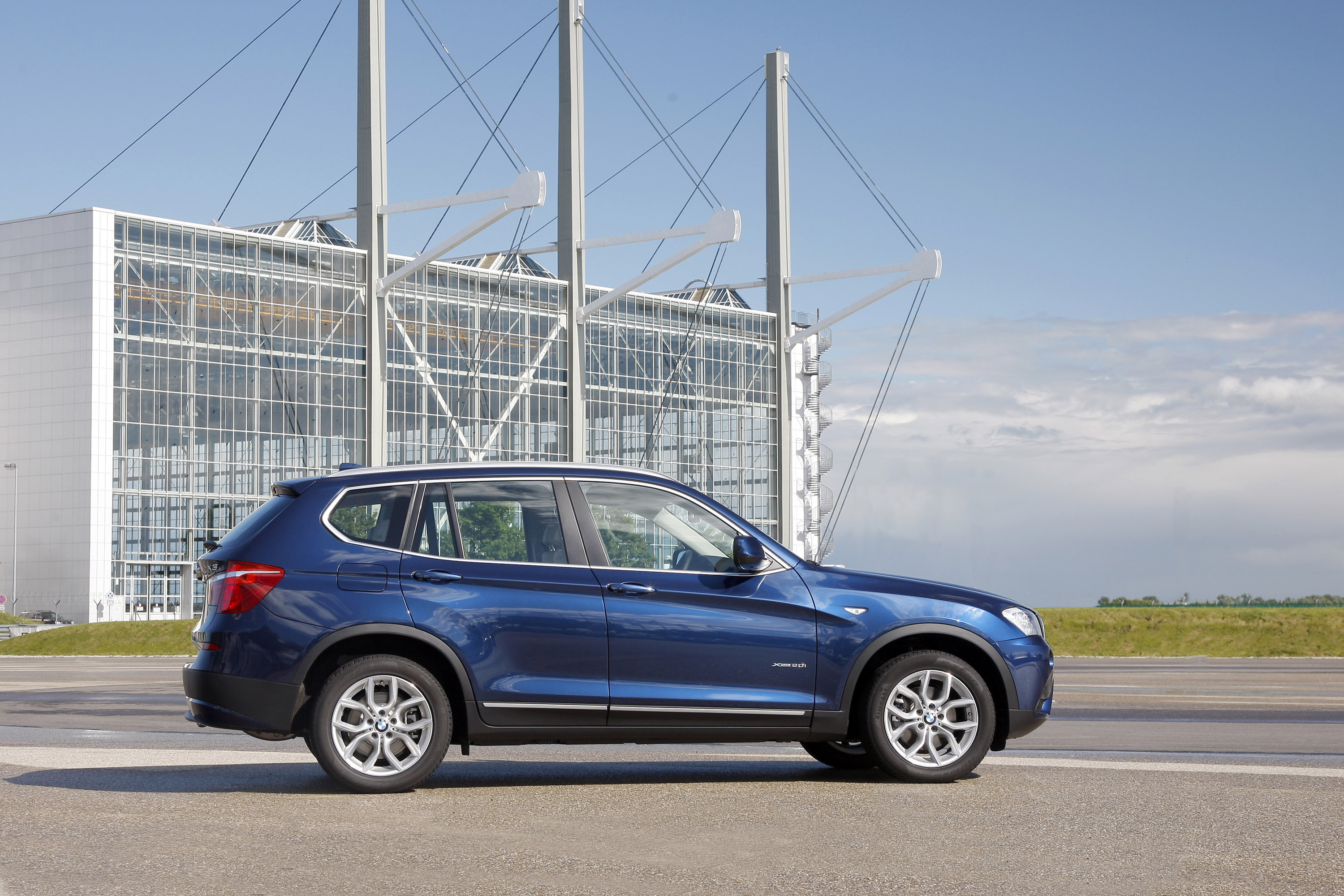 2012 BMW X3 xDrive20i and xDrive35d 2 BMW X3 xDrive20i and the BMW X3 xDrive35d  More Updated and  Efficient