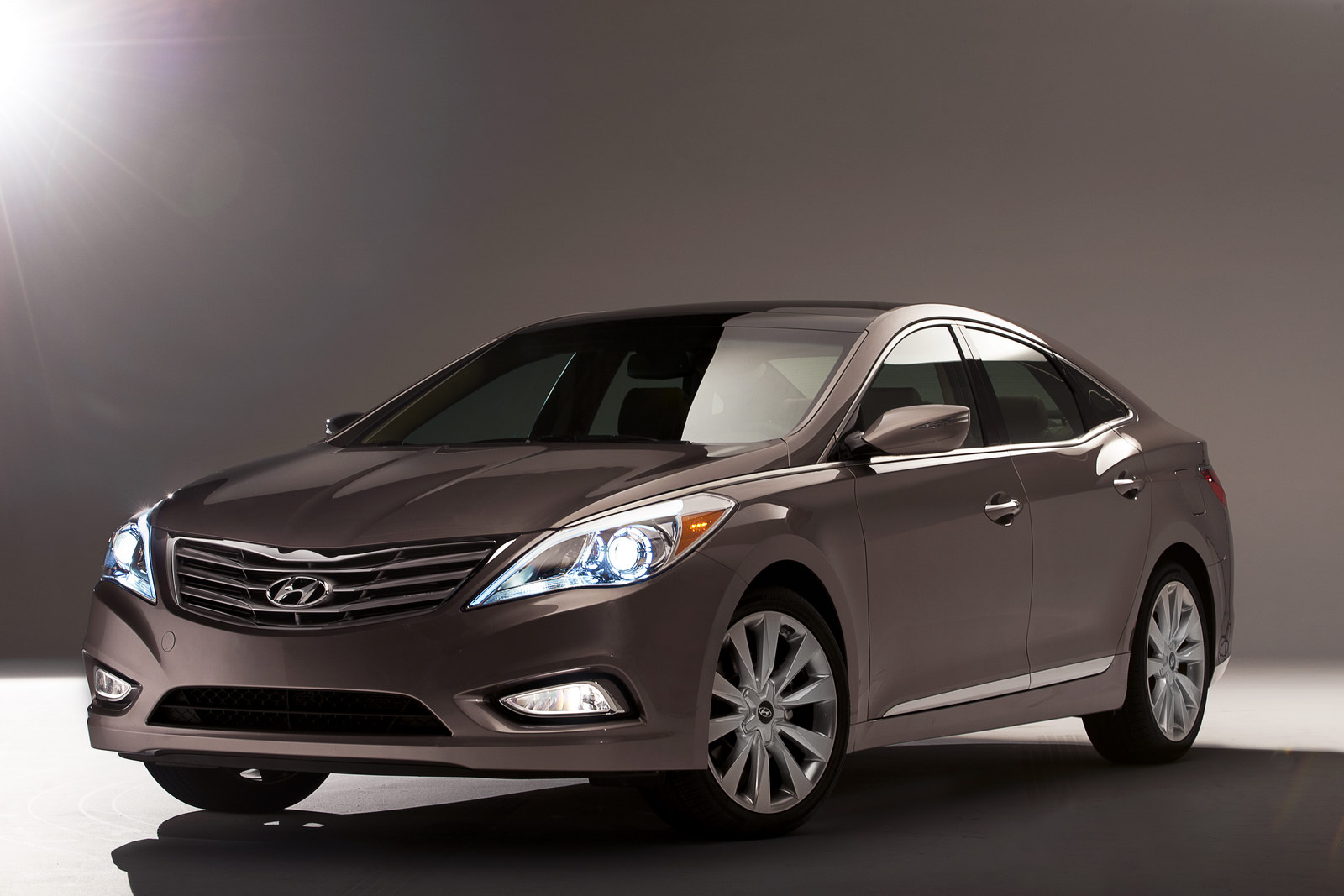 2012 Hyundai Azera Sedan 7 Newly Modified and Upgraded 2012 Hyundai Azera Sedan– A Review