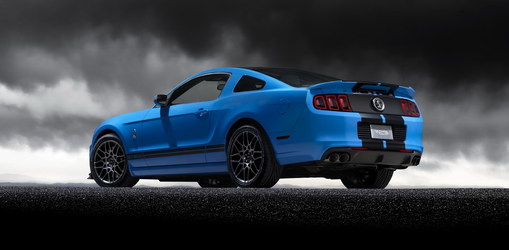2013 Ford Shelby GT500 2 2013 Ford Shelby GT500   Ensures Comfortable Car Trips without Technical Snarl