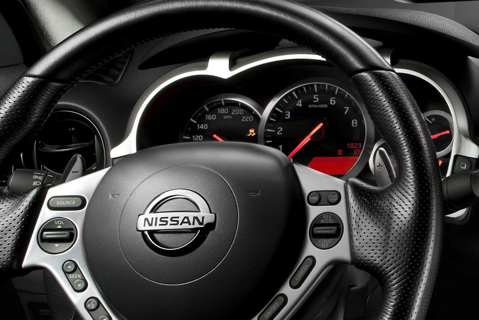 Nissan 480hp Juke R 8 2011 Nissans 480HP Juke R Finally Revealed in Photos and Videos