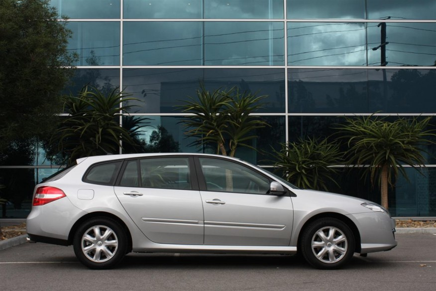 2011 Renault Laguna Estate Expression 2 Review of the 2011 Renault Laguna Estate Expression