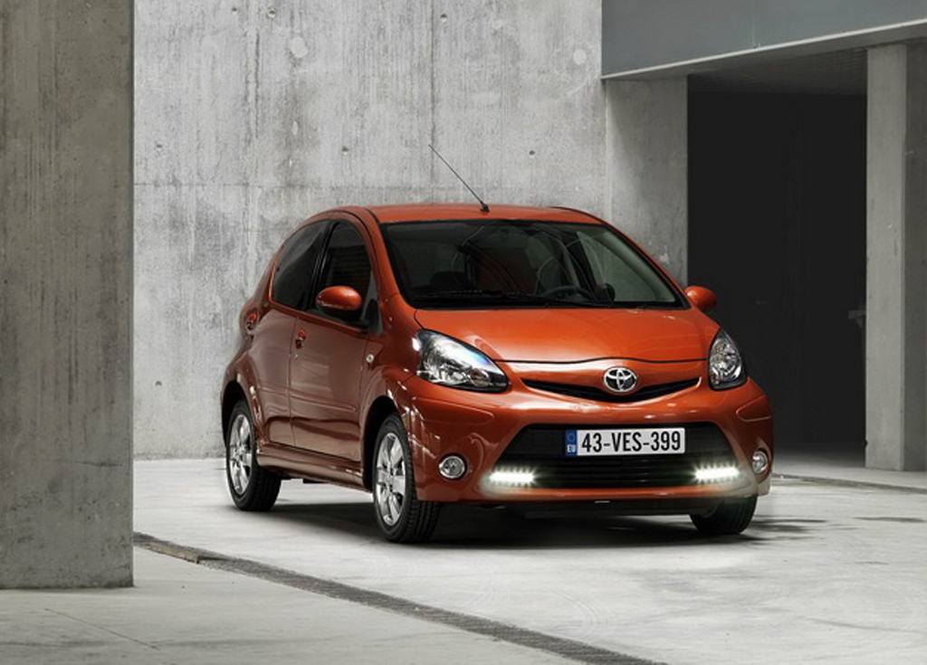 2012 toyota aygo facelift a revised technical tune up. Black Bedroom Furniture Sets. Home Design Ideas