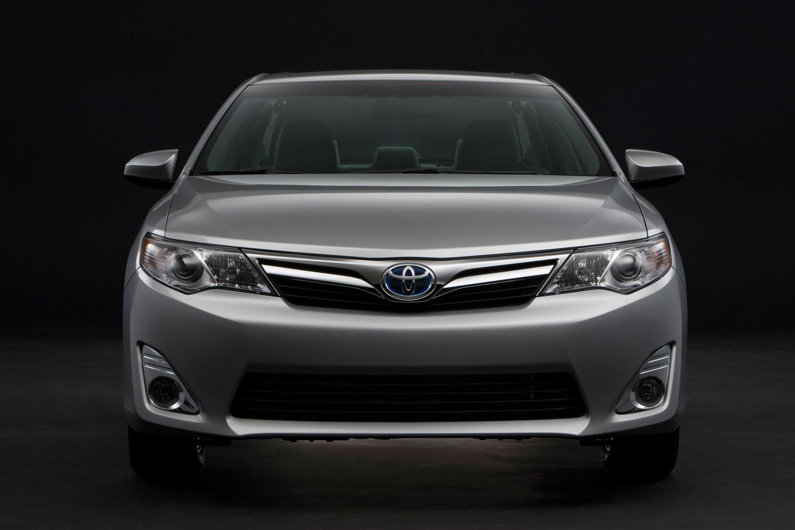 2012 Toyota Camry Hybrid1 Toyota developing a new turbocharged engine