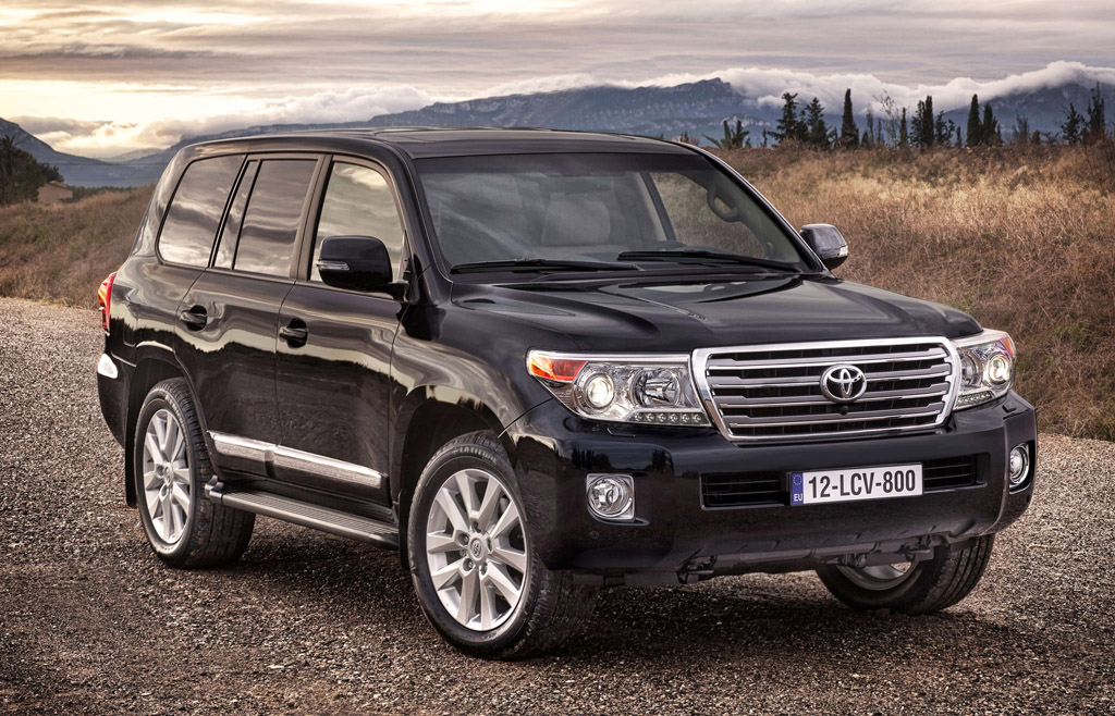 2012 Toyota Land Cruiser with V8 Turbo Diesel 2 Toyota Introduces Updated 2012 Land Cruise with V8 Turbo Diesel in the UK