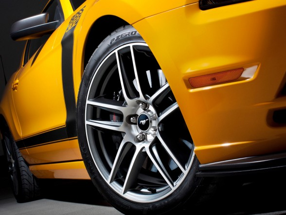 2013 Ford Mustang Boss 302 5 2013 Ford Mustang Boss 302   A Review